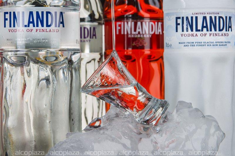 Finlandia Blackcurrant водка Финляндия Черная Смородина 0.05l