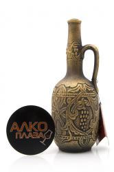 Азербайджанское вино Золотой Баку Серия Габалинская Долина 0.75 л. в керамич. бут.